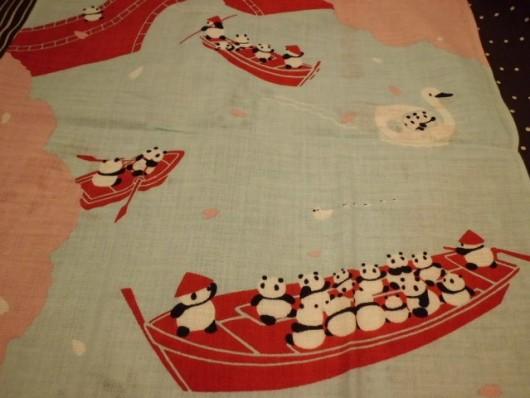 絵てぬぐい「パンダの舟遊び」